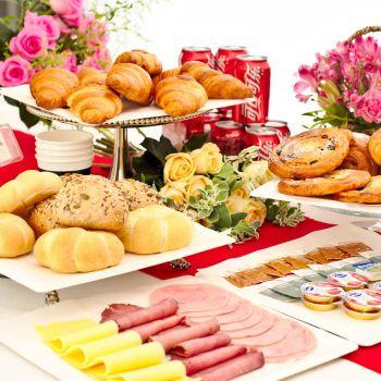 Breakfast Set for 12